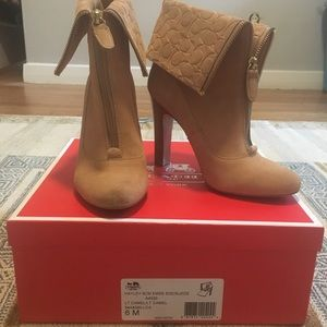 Coach Hayley Light Suede Heeled Boots/Booties 6M